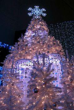 Christmas In Tokyo christmas xmas Christmas Scenes, Noel Christmas, Winter Christmas, Christmas Feeling, Christmas 2019, Holiday Lights, Christmas Lights, Christmas Decorations, Holiday Decorating