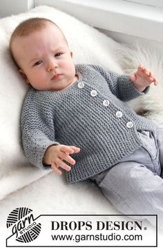 "Child Knitting Patterns Grey Gosling - Cross knitted DROPS jacket with 2 threads ""Alpaca"". - Free oppskrift by DROPS Design Baby Knitting Patterns Baby Knitting Patterns, Baby Cardigan Knitting Pattern, Baby Boy Knitting, Knitted Baby Cardigan, Knit Baby Sweaters, Knitted Baby Clothes, Knitting For Kids, Baby Patterns, Free Knitting"
