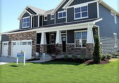 iron gray and arctic white hardie board Windows Dream House Exterior, Exterior House Colors, Dream House Plans, House Exteriors, Utah Home Builders, White Exterior Paint, Brown House, Craftsman Exterior, House Siding