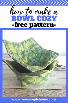 Sew your own microwave bowl cozy with this free soup bowl cozy pattern. Microwave Bowl Holders, Microwave Bowls, Sewing Patterns For Kids, Sewing Projects For Beginners, Sewing Ideas, Crochet Bowl, Sewing Pillows, Easy Gifts, Free Sewing