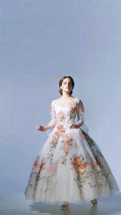 beauty and the beast wallpaper Belle Wedding Dresses, Prom Dresses, Disney Dresses, Hermione, Emma Watson Bela, Emma Watson Beautiful, Disney Beauty And The Beast, Dream Dress, Costume Design