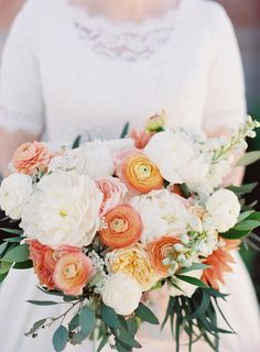 Peach Garden Rose Bouquet juliet garden rose bridal bouquetthe poppy shop | fiori e