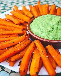 Ovnbagte butternut squash fritter og spinathummus Squash Fritters, Butternut Squash, Carrots, Vegan, Vegetables, Hair, Beauty, Instagram, Whoville Hair