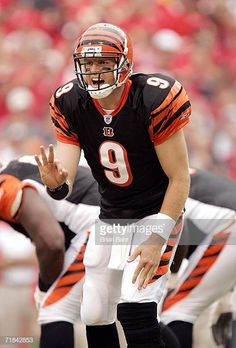 Carson Palmer of the Cincinnati Bengals calls an audible against the Kansas  City Chiefs in the 7631a8dcc