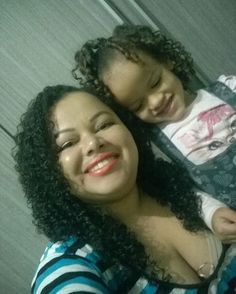 Tal mãe, tal filha 💕#talmãetalfilha #mãeefilha #mãedemenina #meucabelominhasregras #semprepronta #cachospoderosos #toppoderosas #poderdevantagens #vidacacheada #cachos  #soltaoblack #me #selfie #smile #love #follow #linda #instablog #boatarde #itgirlsbrazil ❤