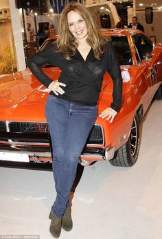 "1969 Dodge Charger R/T ""General Lee"" -Wow Miss Daisy herself! Catherine Bach, Dukes Of Hazard, Mopar Girl, Daisy Dukes, Car Girls, Hot Cars, Muscle Cars, Classic Cars, Classic Tv"