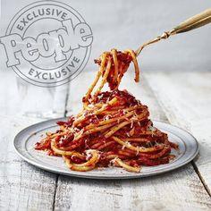 pizza - Mario Batali's Bucatini all'Amatriciana Recipe Chef Recipes, Food Network Recipes, Italian Recipes, Cooking Recipes, Cooking Pasta, Croatian Recipes, Hungarian Recipes, Pasta Recipes, Recipes