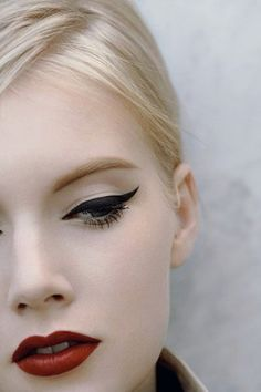 winged liner, red lip