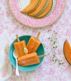 O verão tá aí: duas receitas de picolés - picolé de melão e picolé de framboesa co iogurte