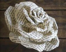 Como fazer flor com jornal passo a passo