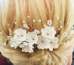 Un preferito personale dal mio negozio Etsy https://www.etsy.com/it/listing/513997742/floral-hair-fomb-cherry-blossom-comb