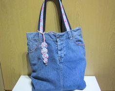 """Bolso de mano reciclado Jeans, con emparejar flores bolsa encanto, uno de una bolsa tipo bolso hecho a mano, bolso de hombro, tamaño W14.5 """"xH17""""xD3.5"""", Idea de regalo!"""