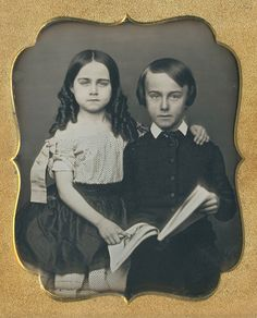 WHY WAS SHE POINTING? (via Fine Daguerreotypes and Photography)