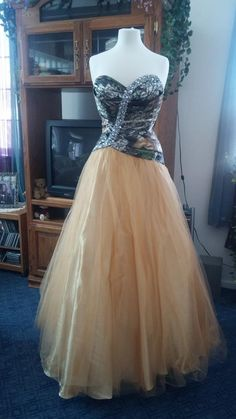 Prom gown! Camouflage Wedding Dresses, Prom Dresses, Formal Dresses, Gowns, Wedding Ideas, Fashion, Formal Gowns, Moda, Fashion Styles