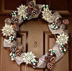 Cake Walk: Time for a Wreath Change!