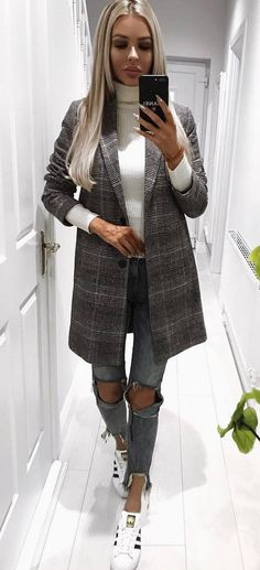 how to style rips : plaid coat + white top + sneakers