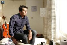 "#ModernFamily 6x04 ""Marco Polo"" - Phil"