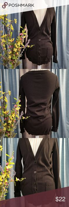 🌻🌺🌻CALVIN KLEIN LONG V NECK CARDIGAN!! SIZE:medium   BRAND:Calvin Klein    CONDITION:very good, no flaws    COLOR:black  Has 2 front pockets...very versatile!   🌟POSH AMBASSADOR, BUY WITH CONFIDENCE!   🌟CHECK OUT MY OTHER ITEMS TO BUNDLE AND SAVE ON SHIPPING!   🌟OFFERS WELCOME!   🌟FAST SHIPPING! Calvin Klein Sweaters