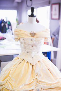 L'atelier des robes de princesses Disney. - Natacha Birds