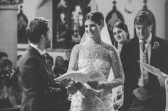 Lovely British bride. Wedding dresses - Jesus Peiro Brides