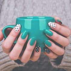 Nails Glamorous nails Nail designs Dots nails Gorgeous nails Dot nail art - Using a moisturizing body wash and putting on lotion all over your body will help prevent wrinkles and stay looking - Perfect Nails, Gorgeous Nails, Diy Nails, Cute Nails, Gel Manicure, Pin Up Nails, Nail Nail, Dot Nail Art, Teal Nail Art