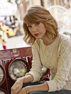 """@Keds: """"Everybody has their own rules about fashion and style…mine tend to be on the side of simplicity."""" #taylorforkeds (x)"""