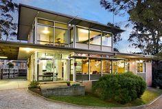 Australian mid century home: Highview Road, Balwyn North, Victoria - Built: 1957, Architect: Leo Blyth