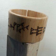 #sümerçiviyazısıilezeynep#sumeriannailwritingring#woodburning#woodburningwristband#yakmaahşapbileklik#sumeriannailwritingringwristbant