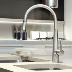 FINISH OPTIONS & CODES: Chrome Finox The graceful and design-savvy Just kitchen tap by Gessi are a fresh expression of a twofold dedication to beauty and function. The Line features a min Kitchen Faucets Pull Down, Kitchen Sink Faucets, Kitchen Mixer, Old Kitchen, Kitchen Ideas, Kitchen Reno, Cleaning Faucets, Delta Faucets, Kitchen Collection