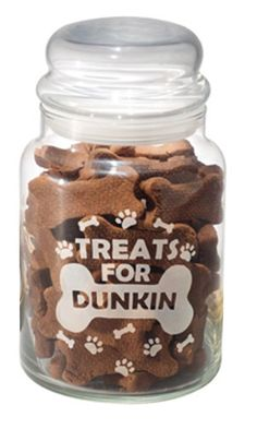 Your furry friend will look forward to snack time when you serve fresh treats from this delightful jar. You have your own cookie jar, shouldn't Snoopy and Whiskers?
