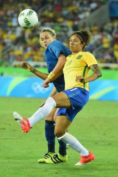 13 Awe-Inspiring Female Athletes Competing In Rio