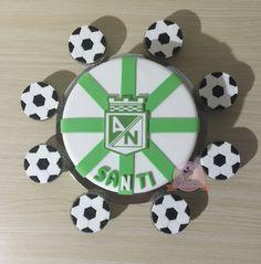 Torta Atletico Nacional y cupcakes de futbol