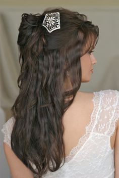 This looks horrible!!! I would cry if my hair looked like that on my wedding day. Looks to much like it was crimped
