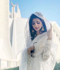 Mawra Hocane or Mawra Hussain (born 28 September 1992) is a Pakistani model and actress. Stylish Photo Pose, Stylish Girls Photos, Stylish Girl Pic, Cute Girl Poses, Cute Girl Photo, Girl Photo Poses, Portrait Photography Poses, Photography Poses Women, Girl Pictures