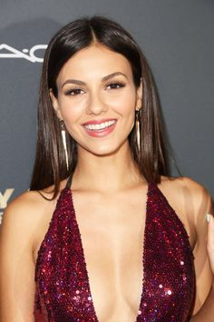 [Beautiful Lady]Victoria Justice in red sequins Hottest Female Celebrities, Celebs, Beautiful Celebrities, Victoria Justice Victorious, Victoria Justice Makeup, Victoria Justice Style, Vicky Justice, Leighton Meester, Hollywood Actresses