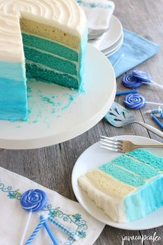 Blue Ombre Cake Tutorial - Step by step instructions will teach you to make an ombre layer cake - from cake to frosting, this tutorial has it all! Camo Wedding Cakes, Gold Wedding, Cake Hacks, Quinceanera Cakes, Dragon Cakes, Beach Cakes, Ombre Cake, Blue Cakes, Cake Decorating Tutorials