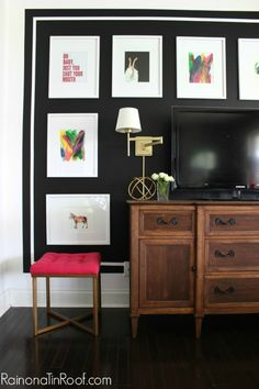How to decorate blank walls in your home