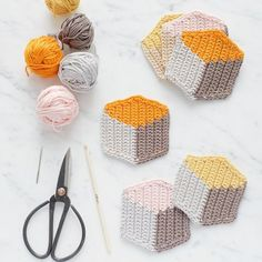 3D-Style Crochet Coasters
