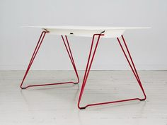 STACKABLE FOLDING TABLE LUCY | JOHANSON DESIGN