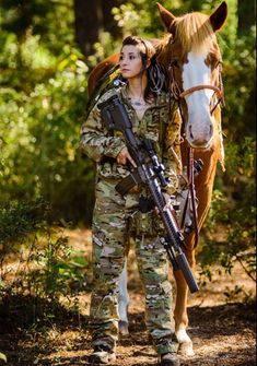 Military Girls Wallpaper - Women in the Military Photo - Girls and Guns - Tactical Girls - Hot Military Babes - Sexy Girls & Guns - Girls With Weapons - Miltiary Gunslinger Girl, Military Women, Female Soldier, Military Photos, Cool Guns, Dangerous Woman, Badass Women, Guns And Ammo, Girl Photos