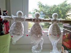 Handmade by Ecola - Krochmalenie Crochet Angel Pattern, Crochet Angels, Crochet Flower Patterns, Crochet Flowers, Christmas Cross, Christmas Baubles, Crochet Crafts, Crochet Doilies, Handmade Christmas Decorations