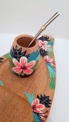 Gouache Painting, Ceramic Painting, Painting On Wood, Diy And Crafts, Arts And Crafts, Painted Cups, Cute Kitchen, Faux Succulents, Wood Creations
