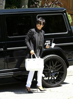 Kris Jenner Photo - Kim Kardashian and Kris Jenner in Beverly Hills