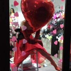 #loveisintheair #visualwniewielkimmiescie #vm #shopwindows #valentinesday #noszebiustonosze #biłgoraj