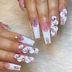 145 Beautiful Marble Nails to Copy Right Now Bling Acrylic Nails, Best Acrylic Nails, Bling Nails, Swag Nails, Bling Nail Art, 3d Nail Art, Coffin Nails, Long Nail Designs, Acrylic Nail Designs