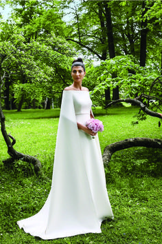 Italian fashion editor Giovanna Battaglia in her Valentino Haute Couture wedding dress for her civil wedding to Swedish real estate developer Oscar Engelbert in the spring of 2016 in Stockholm Alaia Dress, Valentino Dress, Valentino Couture, Valentino Bridal, Valentino Garavani, Robes D'oscar, Celebrity Wedding Dresses, Celebrity Weddings, Dress Vestidos