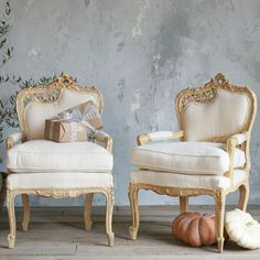Luxury Furniture and Stylish Home Decor Cottage Furniture, Luxury Furniture, Furniture Decor, Painted Furniture, Old Chairs, Vintage Chairs, French Decor, French Country Decorating, Love Chair