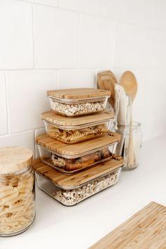 Kitchen Organization Pantry, Home Organisation, Kitchen Dining, Kitchen Decor, Minimalist Home, Sustainable Living, Kitchen Interior, Home Kitchens, Sweet Home