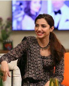 Indian Gowns Dresses, Bridal Dresses, Creative Photography, Photography Poses, Mahira Khan Dresses, Maira Khan, Pakistani Actress, Girls In Leggings, Girls Dpz