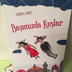 Bu geceki #uykudanoncekitabi @finalkultursanat Yayınevi'nden Başımızda Kuşlar. Bu kitap, kuşlarla birlikte yaşayan insanların ve insanlarla birlikte yaşayan kuşların öyküsü. Bu kitap, özgürlüğün ve dostluğun kıymetini bilen insanların öyküsü. Kesinlikle okuduğum en iyi çocuk kitaplarından biri. +3 yaş için uygun. #uykudanöncekitabı #çocukkitabı #cocukkitabi #internetanneleri #iganneleri #book #kidsbook #kitapkurdu #kitapçı #booksforkids #instakitap #kitap #kitapçı #çağınınkitaplığından…